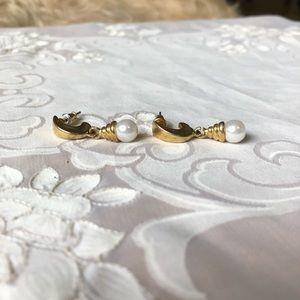 CLEARANCE Vintage gold dangle earrings